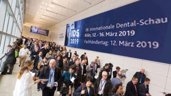 Exposición internacional de odontología. Clínica Dental San Pedro de Alcántara (Marbella)