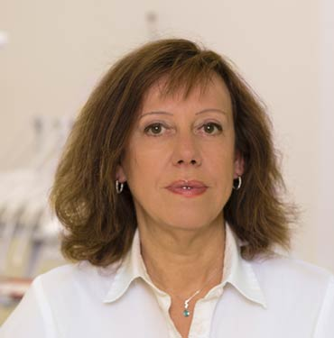 Dentist and Orthodontist Lilian Totoran López, Marbella